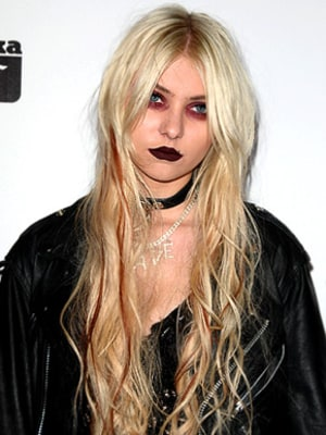 Taylor Momsen Apologizes for Implying Her Parents Ruined Her Childhood ...