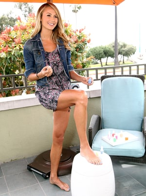 Stacy Keibler Paints Her Toes Blue For Charity Us Weekly