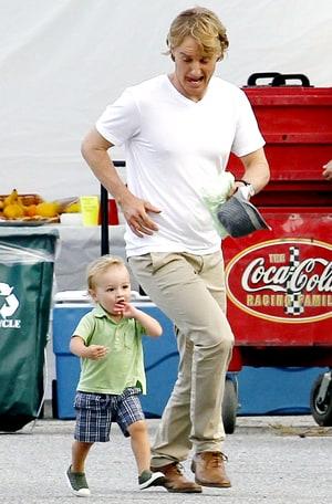 Aww! Owen Wilson's Son, Vince Vaughn's Daughter Hold Hands ...