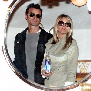 Jennifer Aniston Justin Theroux Go Furniture Shopping At