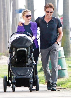 Pictures Anna Paquin Stephen Moyer Go For A Stroll With