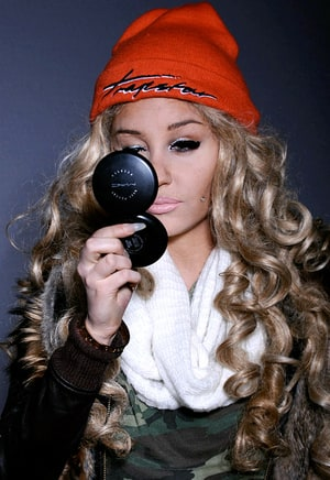 amanda bynes gets drastic makeover long curly hair heavy