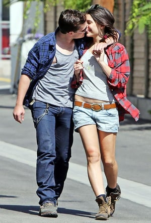 who is josh hutcherson dating now 2013