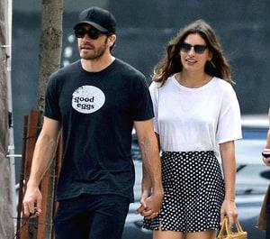 Jake Gyllenhaal Holds ... Jake Gyllenhaal Dating