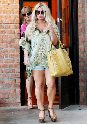 Jessica Simpson Post-Baby Body Picture: Singer Back in ...