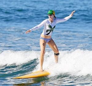 celebrity body news helen hunt bikini photos actress looks toned in striped swimsuit