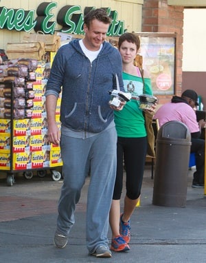 who is jason segel dating 2013