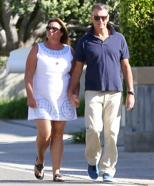 Pierce Brosnan, Wife Keely Hold Hands for Walk After Fire ... - photo#39
