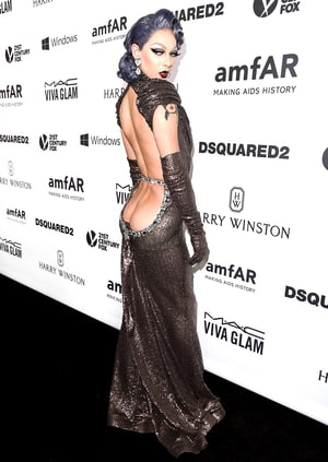 Violet Chachki Flashed Her Bare Butt On The Red Carpet