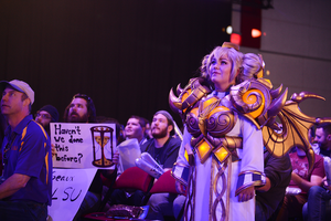 Chromie cosplayer at Heroes of the Dorm
