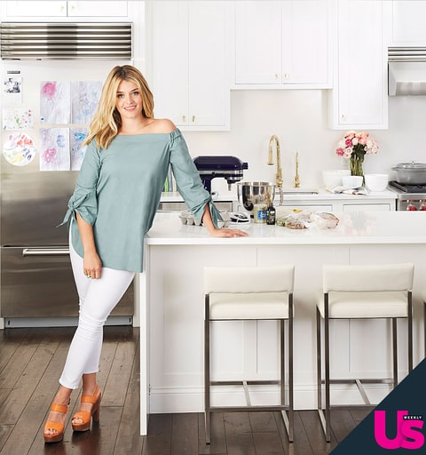 Daphne Oz Shows Us How To Make Her Favorite Chicken Dish Us Weekly