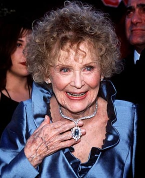 Titanic Actress Gloria Stuart Dies At 100 Us Weekly