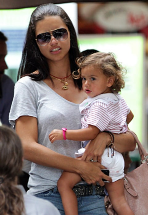 adriana limas daughter 21 months speaks 3 languages