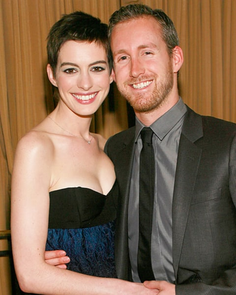 Anne Hathaway And Husband Wedding: Anne Hathaway Marries Adam Shulman!