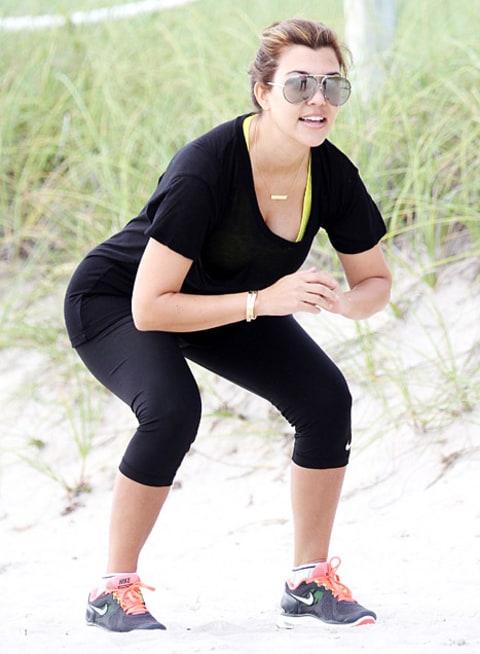 Kourtney Kardashian Yoga Kourtney Kardas...