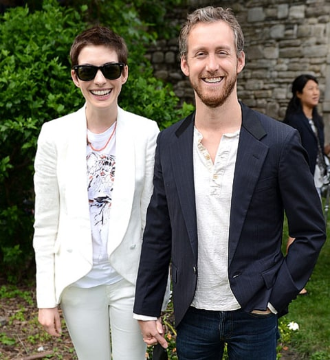 Anne Hathaway Spouse: Actors Anne Hathaway And Adam Shulman Attend The Stella