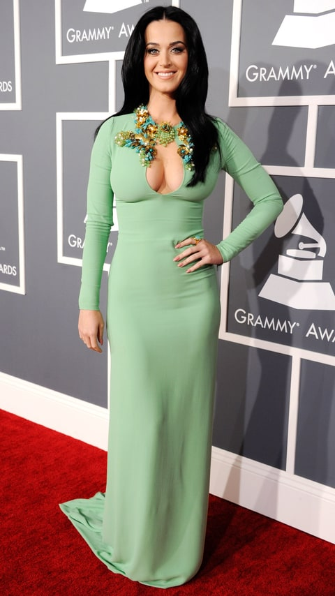 Katy Perry Shows Major Cleavage In Gucci Dress At 2013 Grammy Awards