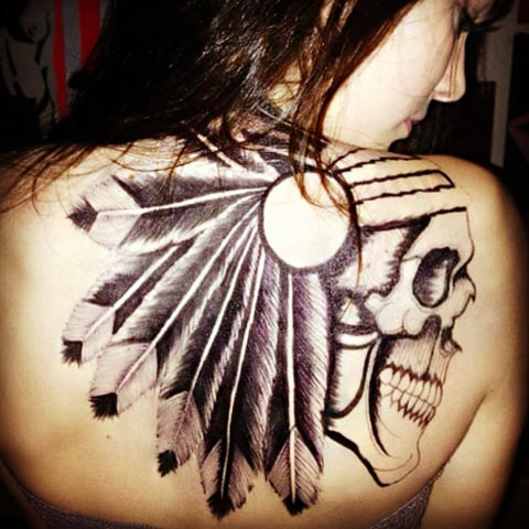Kendall Jenner 17 Gets Giant Sharpie Tattoo On Her Back