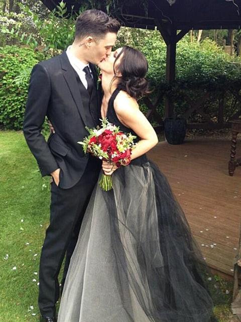 Gothic wedding dresses uk 2017