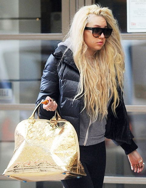 Who Is Amanda Bynes Dating Right Now