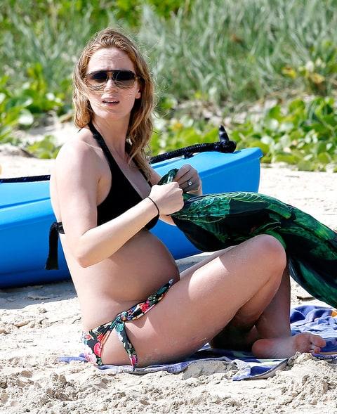 emily blunt bikini