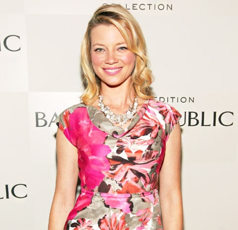Amy Smart What's In My Bag