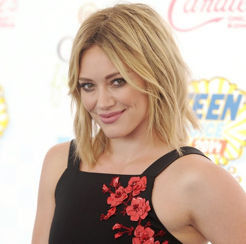 Hilary Duff Delays Release of Comeback Album After