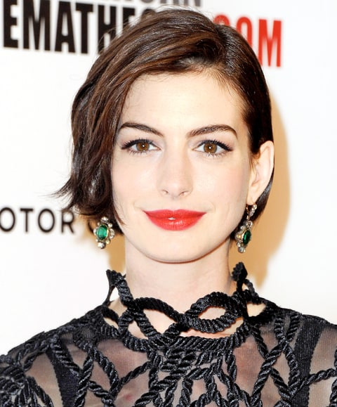 Anne Hathaway's Brand New Bob Hairstyle From Every Angle