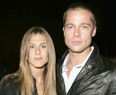 """Jennifer Aniston Talks Brad Pitt Divorce: """"I Don't Find It ..."""