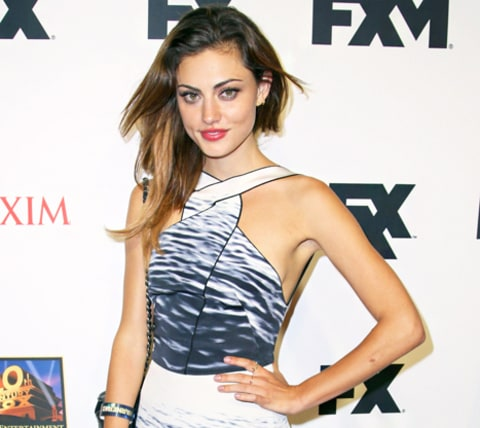 Phoebe Tonkin What's In My Bag