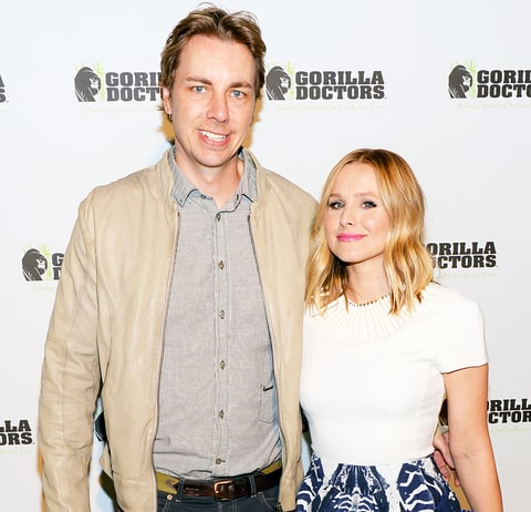 Kristen bell sort of shares first photo of daughter us for Dax shepard and kristen bell wedding