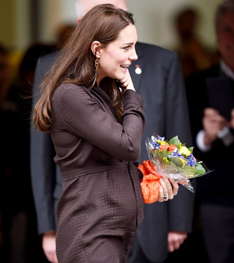 kate middleton bump in brown dress