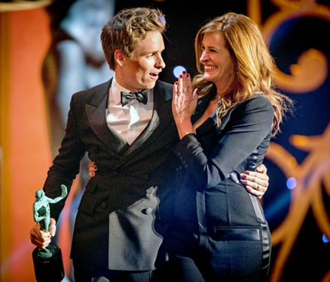Eddie redmayne and julia roberts attend 21st annual screen actors