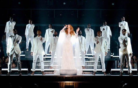beyonce performing with choir at grammys