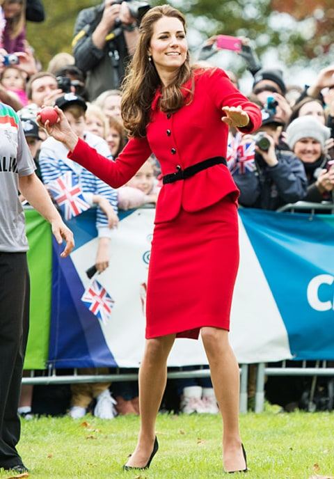 kate middleton throwing ball