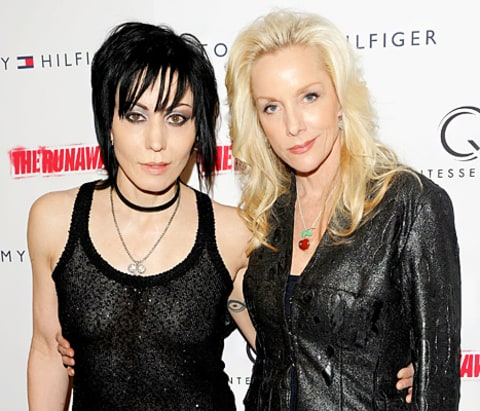 the runaways joan jett and cherie currie relationship