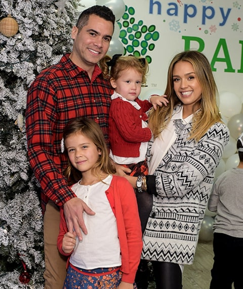 Drew Barrymore Jessica Alba Show Off Their Kids At