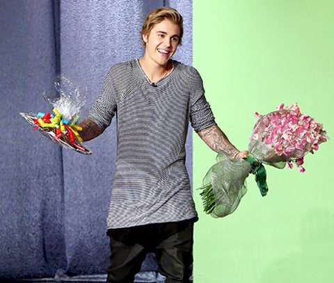 Justin Bieber with flowers on Ellen