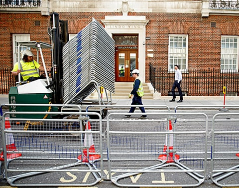 Lindo Wing barricades
