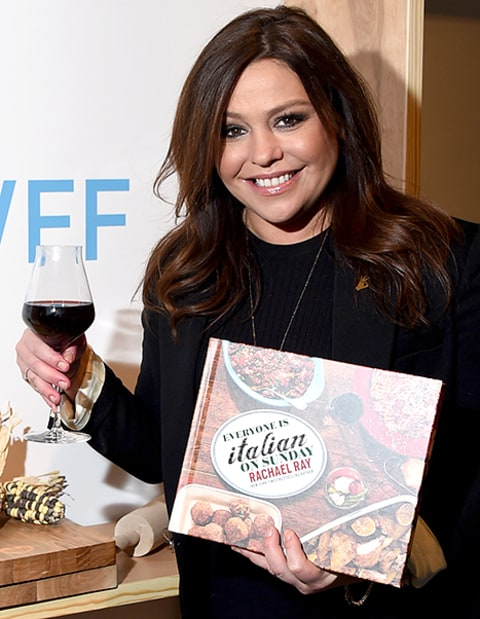 Rachael Ray signs her book