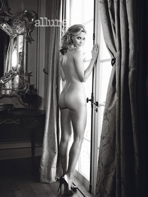 Leslie Bibb in Allure
