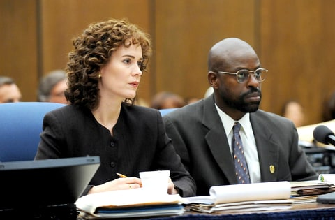 Sarah Paulson a Marcia Clark and Sterling K. Brown as Christopher Darden in The People v. O.J. Simpson: American Crime Story.
