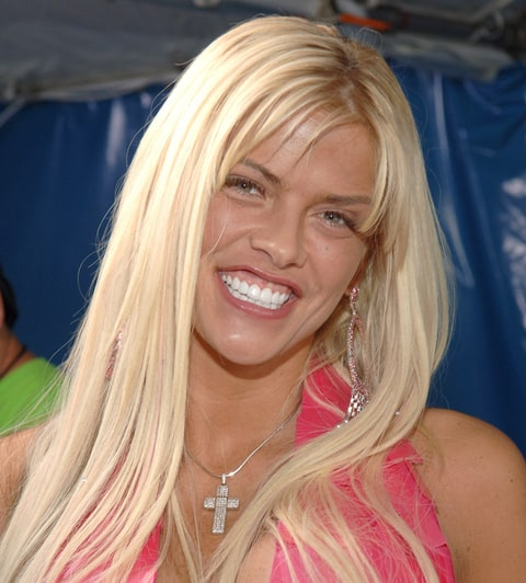 Anna Nicole Smith's Lookalike Daughter, Dannielynn Birkhead, Makes Adorable Appearance at Kentucky