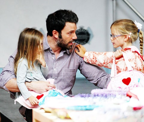 Ben Affleck and daughters 2