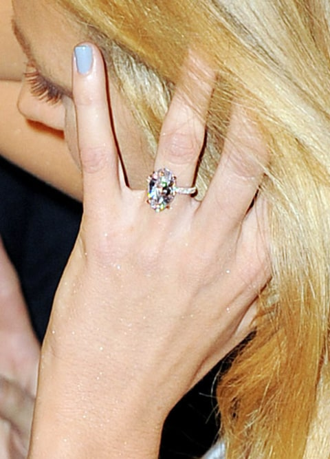 Blake Lively Stuns, Flashes Rings on First Post-Wedding ... Blake Lively Ring