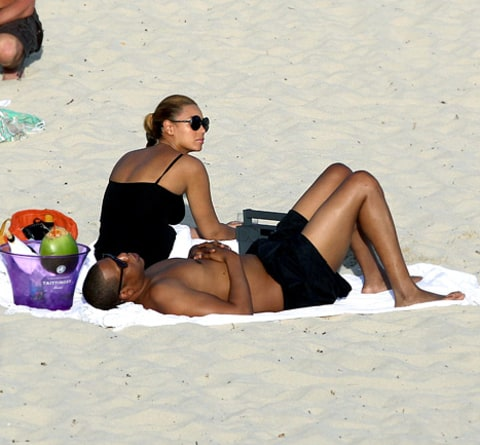 beyonce and jay z on beach
