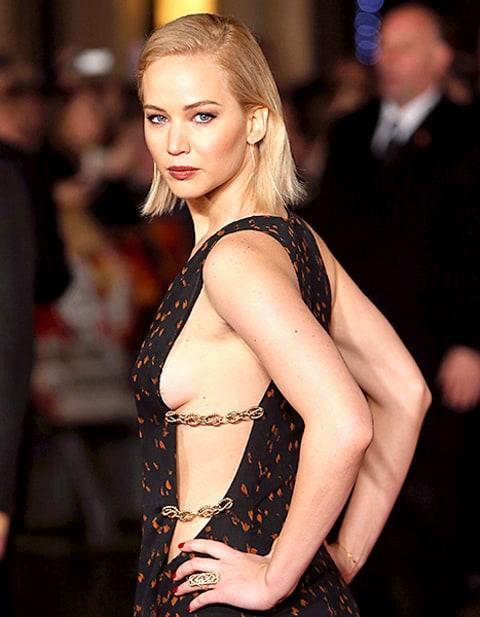 Jennifer Lawrence Wears Sideboob-Baring Dress to Hunger Games London ...