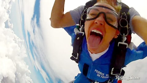 miley cyrus skydives