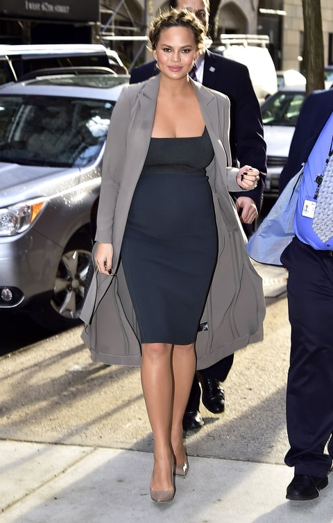 Pregnant Chrissy Teigen Wears Four Outfits In One Day Us Weekly