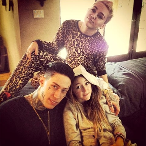 Miley with siblings xmas